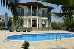 Stylish 4 Bed Villa With Pool